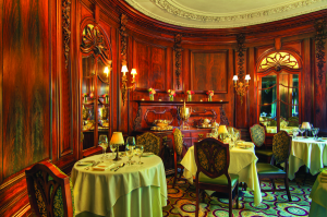 600-Castle-Hill-Dining-room