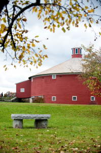 600-Shelburne-Musem-bench-round-barn