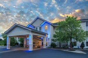 Holiday Inn Exp 600 Brattleboro2016-07-10 20.29.04-2