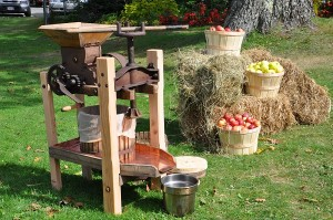 Lake Morey 600 Resort attractions listing apple pressing 2012 005 (3)