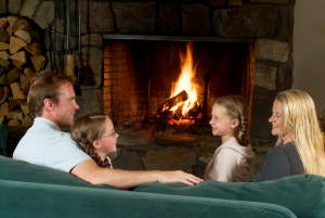 600-Commodores-Inn-fireplace-family