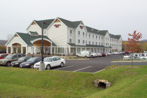 600-Hampton-Inn-Rutland-building