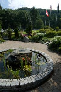 600-Lake-Morey-gardens