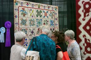 600-Vermont-Quilt-Festival-exhibit