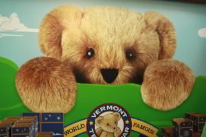 600-Veront-Teddy-Bear-Company-Mural